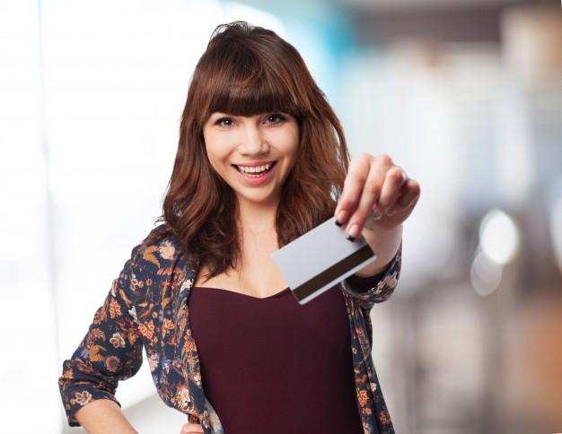 Cartão de crédito ou débito ? 5 Dicas para economizar